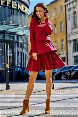 KLARA Casualowa sukienka z podwójną falbanką bordo