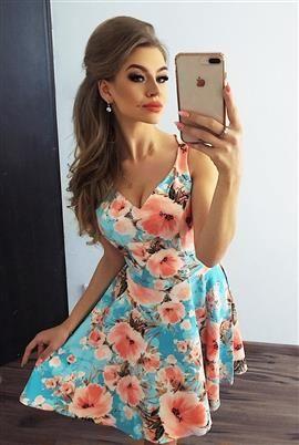 PAULA Rozkloszowana sukienka z dekoltem - BRZOSKWINIOWE KWIATY